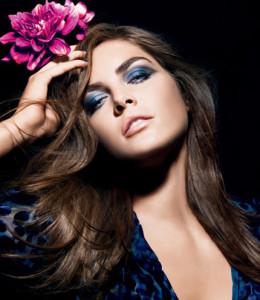 Как подобрать макияж под синее платье